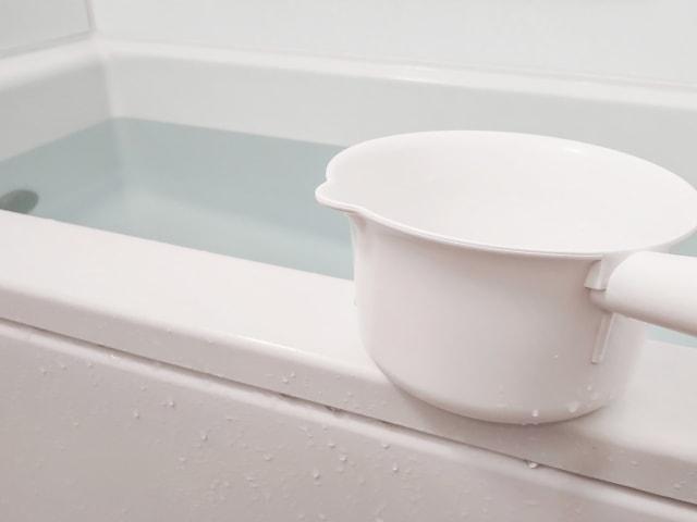 浴室の手すりの理想的な高さ・位置は?浴槽サイズ別に徹底解説のイメージ画像