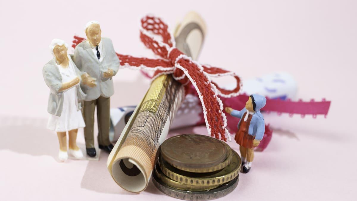 孫へ生前贈与する際に知っておきたい5つの非課税制度と注意点